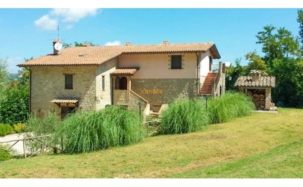 Casale in vendita nelle vicinanze di Assisi