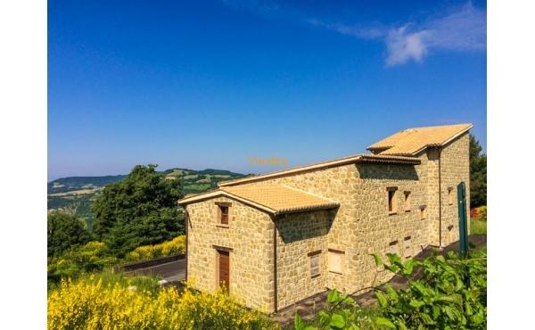 Casale ristrutturato e con vista panoramica