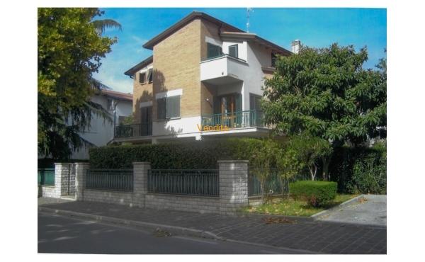 Villa con piscina in vendita ad Assisi