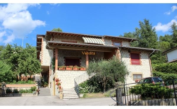 Villa Bifamiliare ad Assisi