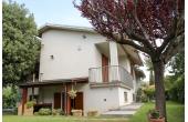 1296957, Casa indipendente con giardino