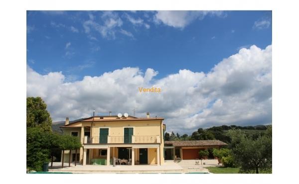 Villa moderna a Spello