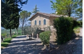 13604, Farmhouse in Assisi in panoramic position