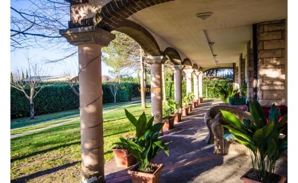 Villa in vendita a Bastia Umbra, loc. Madonna di Campagna